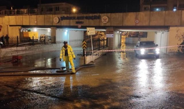 Şiddetli Yağmur'da Başkan Ve Ekibi Görev Başında
