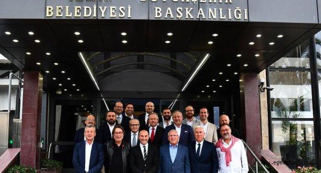 İzmir'in köklü kulüpleri Tunç Soyer'le buluştu