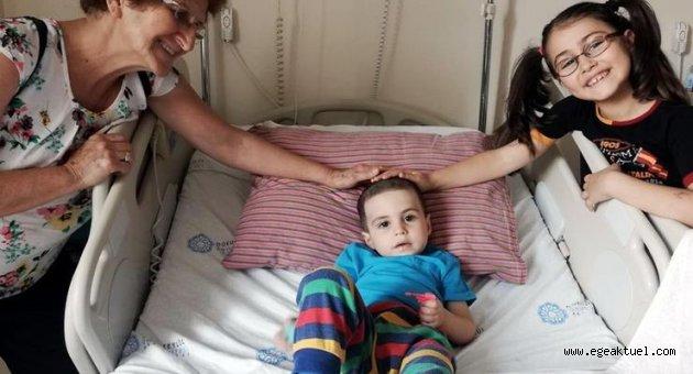 Omuriliğinde tümör olan Ayaz'ın babası yardım istedi