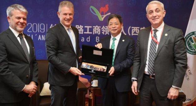 """Özgener'den Çin'e """"yatırım"""" daveti"""